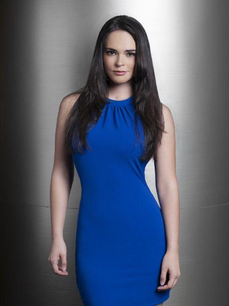 Gabriela Díaz, Joven estudiosa y de nobles sentimientos, es sobrina de Julia y Eladio y prima de David.