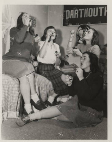 Four students blow bubbles, ca. 1945 :: Archives & Special Collections Digital Images