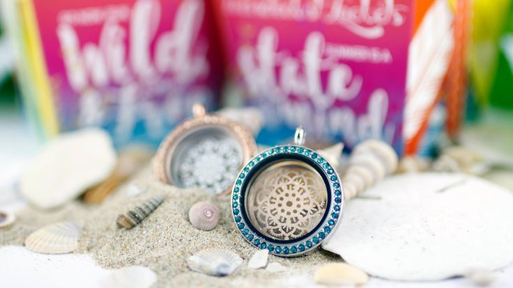 brighten up your summer whit these colorful lockets and pretty plates :) #lockets #wanderlust #summer