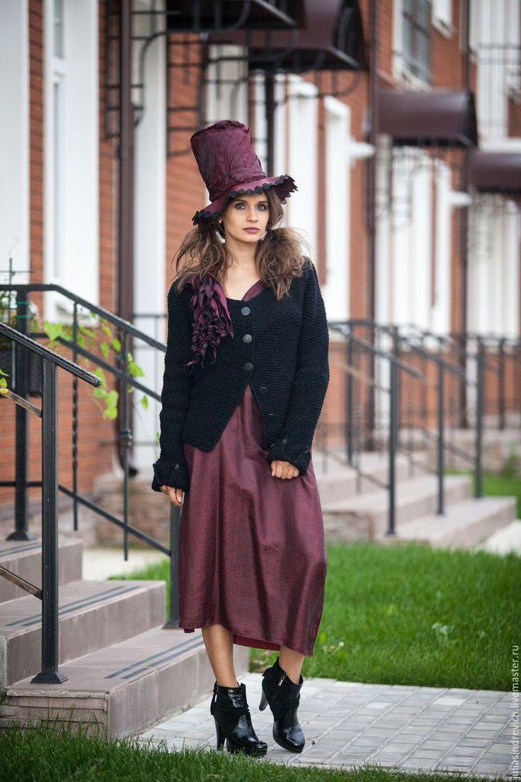 Купить V_016 Куртка приталенная с геральдическими пуговицами, цвет черный - ручная вязка, вязаная одежда