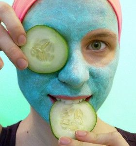 Baking soda, honey, and water face mask