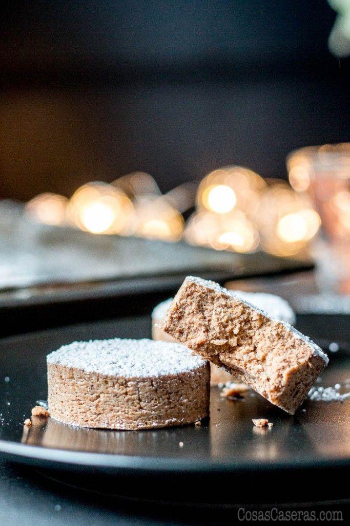 Este receta de mantecados y polvorones sin gluten permitirá que incluso aquellos que siguen una dieta sin gluten y/o sin cereales puedan disfrutar de estas galletas suaves y quebrantizas estas Navidades.