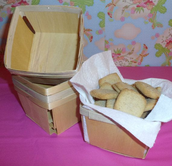 12 Pint Wood Berry Baskets by sweetpartyshop on Etsy