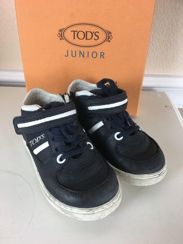 Mein Orig. Tods Leder Schuhe Sneakers Gr.22 von Tod´s! Größe 22 für 65,00 €. Schau´s dir an: http://www.mamikreisel.de/kleidung-fur-jungs/halbschuhe/48652996-orig-tods-leder-schuhe-sneakers-gr22.
