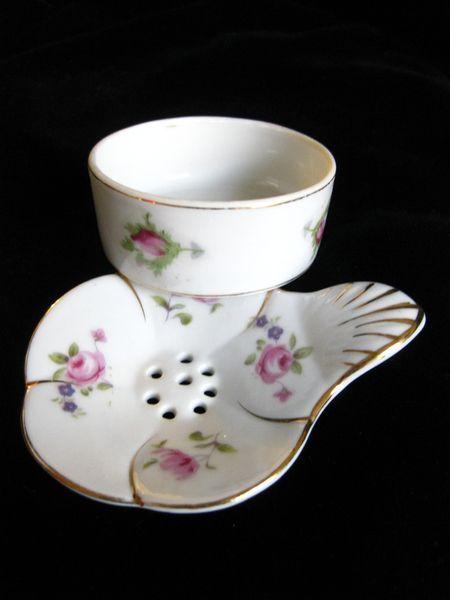 british porce,ain tea strainer | lovely vintage porcelain tea bag holder and strainer in a delicate ...