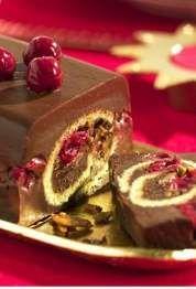 Terrina de chocolate con almendras caramelizadas y cerezas