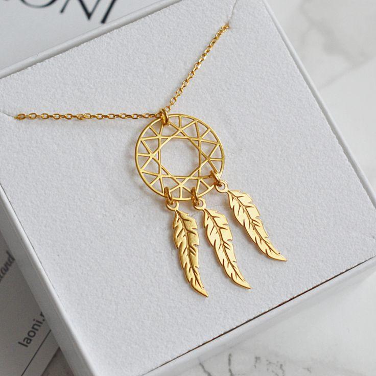 Złoty naszyjnik łapacz snów. Kup na: https://laoni.pl/zloty-naszyjnik-lapacz-snow #łapaczsnów #złoty #naszyjnik #celebrytka #biżuteria