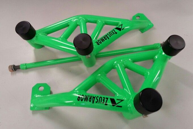 ZeusArmor Pro Series Dual Cage for 03-05 Yamaha YZF-R6 and 06-Up R6S available by visiting our online store (link in profile) #zeusarmor #dowork #yamaha #r6s #stunt #crashcage #proseries #strong #neongreen