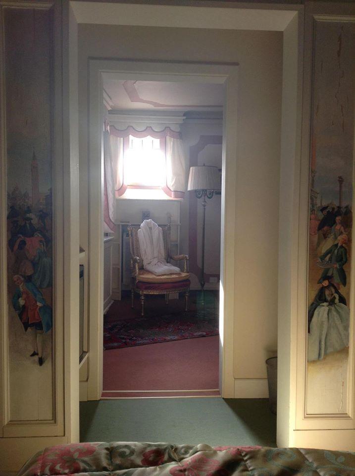 Splendida serata a Treviso..... Il mio risveglio in questa meravigliosa stanza.....  Mi sento una principessa!!