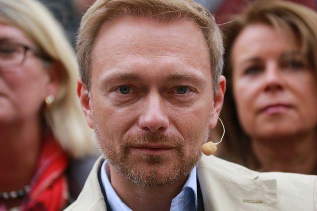 FDP-Chef Christian Lindner und aktuell möglicher Koalitionspartner von Angela Merkel forderte Mitte des Jahres für die nächste Legislaturperiode die