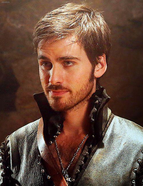 Once Upon a Time's Captain Hook aka Killian Jones aka Colin O'Donoghue <3   Holy hot pirate O.o