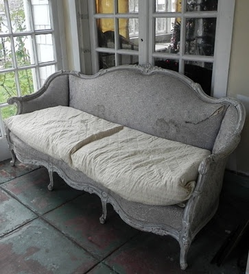 i have this couch but with big white cushions