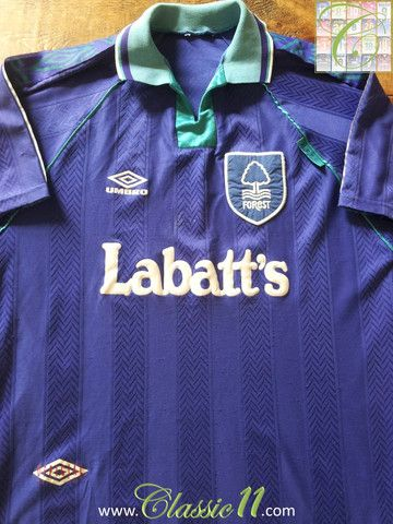 Relive Nottingham Forest's 1993/1994 season with this original Umbro away football shirt.