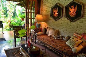 Travel Journal of Satya : Museum di Tengah Kebun, Rumah Apik Penuh Barang Antik