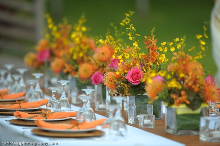 Great orange and pink...my fav!: Table Decor, Dining Rooms, Pink Summer, Tables Sets, Decor Ideas, Books Worth, Tropical Orange, Rooms Tables, Tables Decor