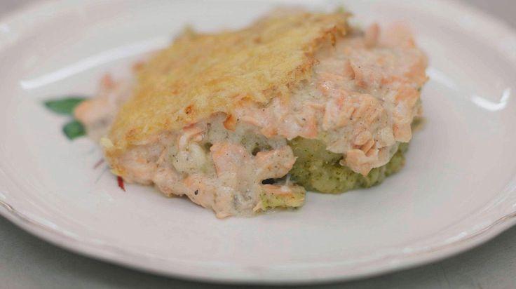 Ovenschotel met roze zalm en broccolistoemp   Dagelijkse kost