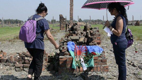 "Samudaripen: El holocausto olvidado, Pueblo gitano, campo ""familiar gitano"" de Auschwitz, Nazismo, Segunda Guerra Mundial,"