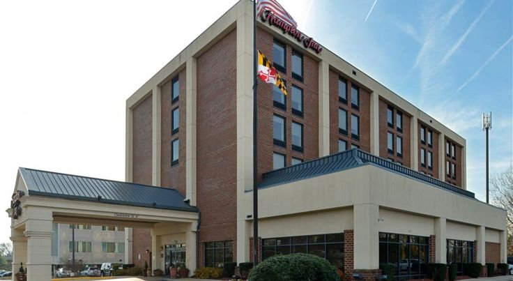 Hampton Inn College Park College Park The Greenbelt Metro Station and University of Maryland are within 2 miles of this hotel. Hampton Inn College Park features an indoor pool, well-equipped gym and spacious rooms with free WiFi.
