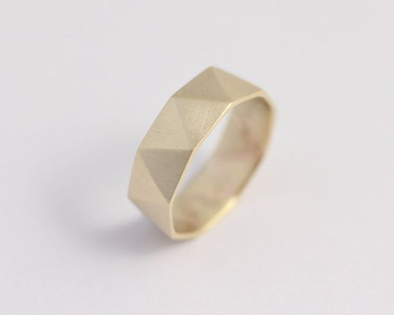 Geometrical, faceted bliss! Perfect wedding band for geometry teachers! Or graph paper enthusiasts!  This design works well for ladies or gents and as