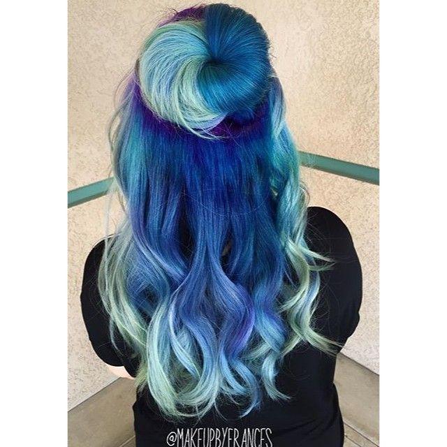 Under the Sea!  Hair by: ⚓️@makeupbyfrances⚓️ Mermaid: @thegroomingmermaid  #mermaidians
