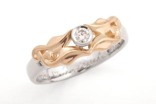 Leaf ring white and yellow gold with diamond. CaiSanni