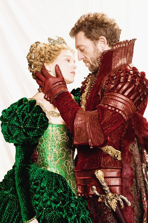 vega-ofthe-lyre:  First look at Lea Seydoux  Vincent Cassel in Christoph Gans' Beauty And The Beast.