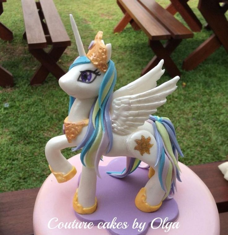 Surprise egg with my little ponies cake by Couturecakesbyolga