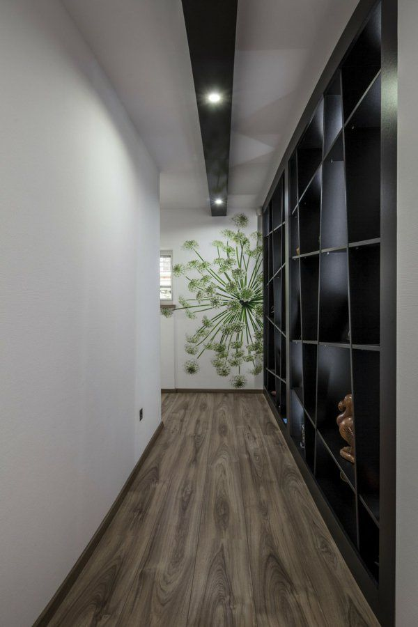 die besten 25 langer flur beleuchtung ideen auf pinterest ziegel verkleidung t r halle b ume. Black Bedroom Furniture Sets. Home Design Ideas