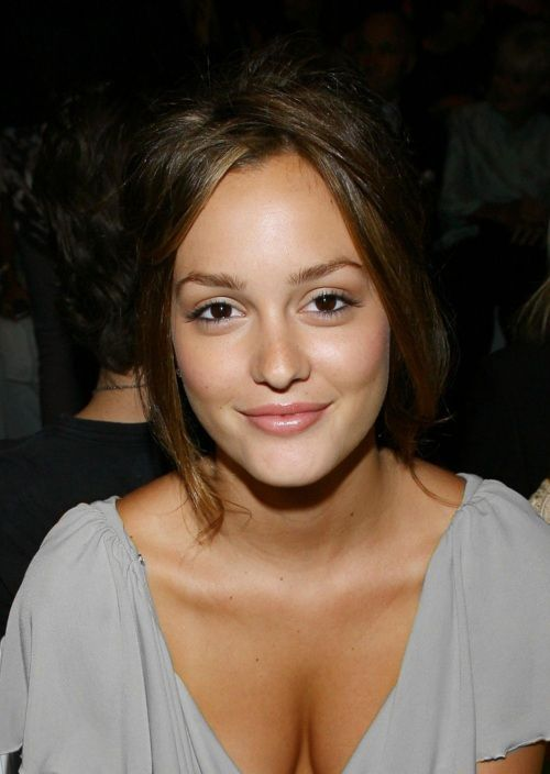 Love her hair and makeup, very simple.Face, Girls Crushes, Bareminerals, Nature Makeup Looks, Celebrities, Leighton Meester, Hair, Nature Beautiful, Nature Looks