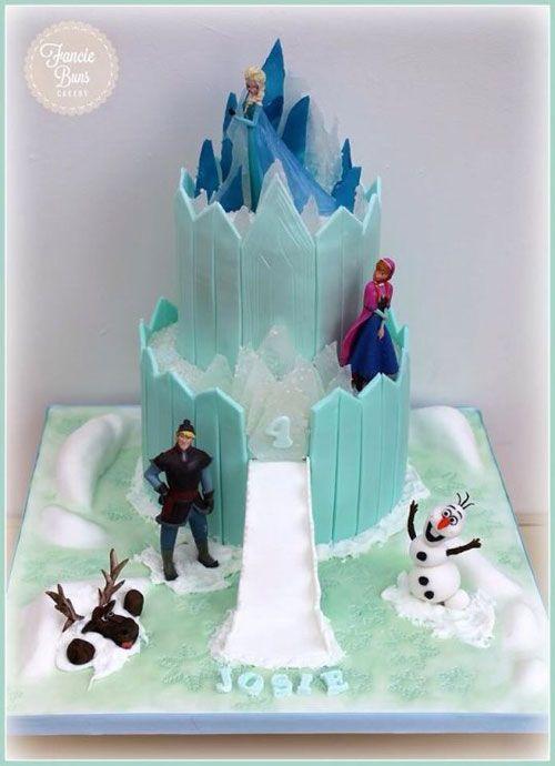 Torta di Frozen con decorazioni in pasta di zucchero n.93