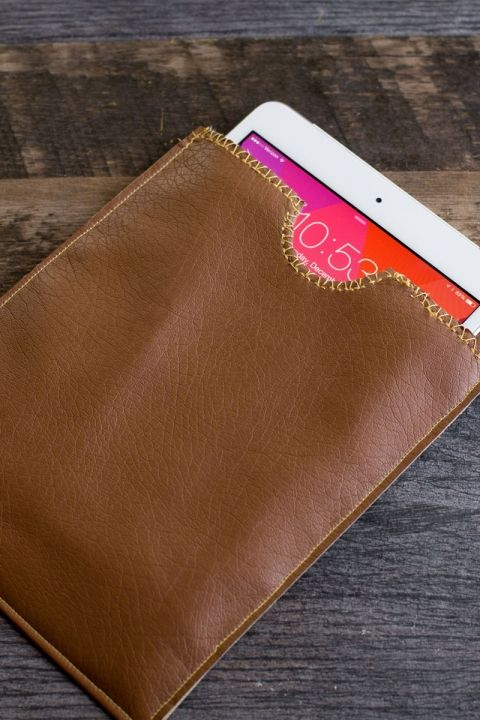 Simple DIY Leather iPad Case great job please Visit my site https://www.upcyclingbymilo.com/ for more products