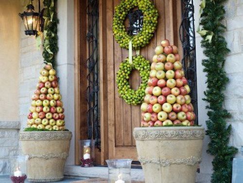 A Whole Bunch Of Christmas Porch DecoratingIdeas - Christmas Decorating -: Decor Ideas, Porches Decor, Front Doors, Christmas Eve, Holidays Decor, Christmas Porches, Christmas Decor, Crafts Stores, Front Porches