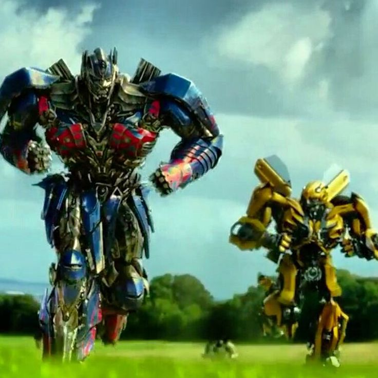 "Every time I watch this part, I can't help but ""awww"" idk I just REALLY love Optimus's run xD"