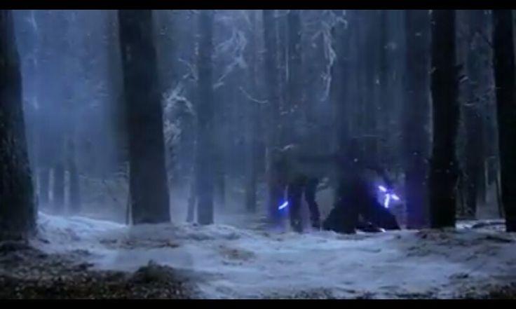 Kylo Ren fénykardja hirtelen a forgatási videóban kék lesz