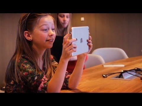 De vliegende reporters kunnen een interview  doen bij de ouders om hen te vragen waarom hun kind een Idee Kids kamp volgt.