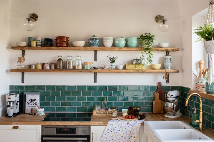My Pottery Diary (4): Tips and Tricks for Tiling Pottery