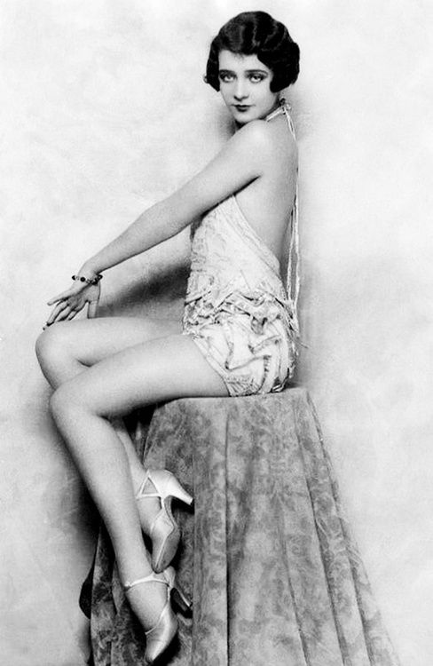Ruby Keeler <3 1920's. - This looks kind of like the lady on the stamp from the Stampsmith!