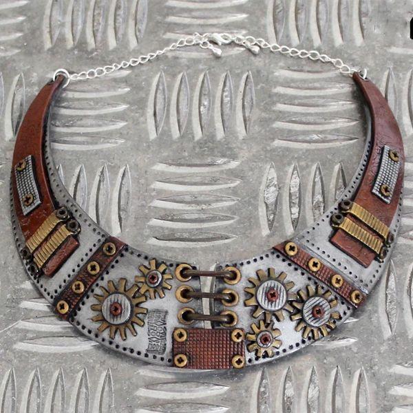 [ Tuto DIY ] Un collier torque au style Steampun tout en polymère... original n'est ce pas ? Quel travail en tout cas ! Voici le pas-à-pas >>> https://www.perlesandco.com/Collier_torque_Steampunk_en_pate_polymere_Cernit-s-2641-5.html