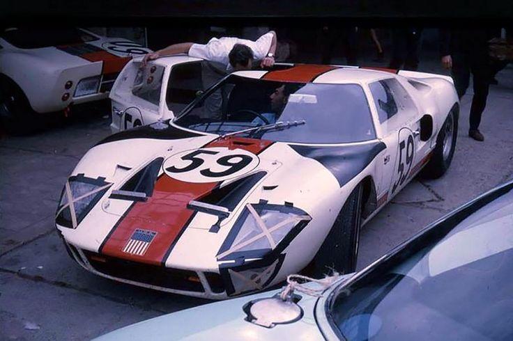 24 heures du Mans 1966 - Ford GT40 #59 - Pilotes : Peter Revson / Skip Scott