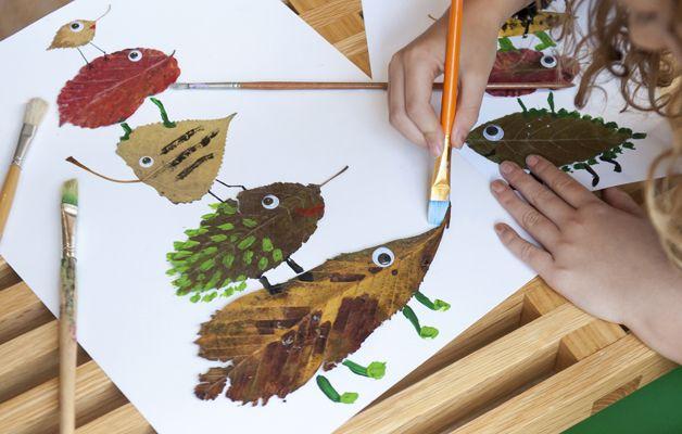 weekendttip: kunstwerk van bladeren | Piece of Make Kunstwerk van gedroogde bladeren, herfst activiteit in het weekend voor kinderen