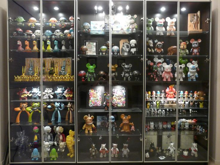 367 best images about displays on pinterest guitar for Hot toys display case ikea