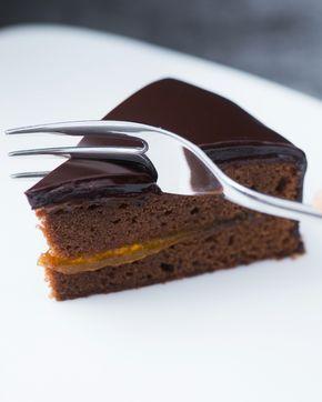 Sachertorte: scopri la ricetta del Re del Cioccolato ERNST KNAM. [Sacher torte recipe]