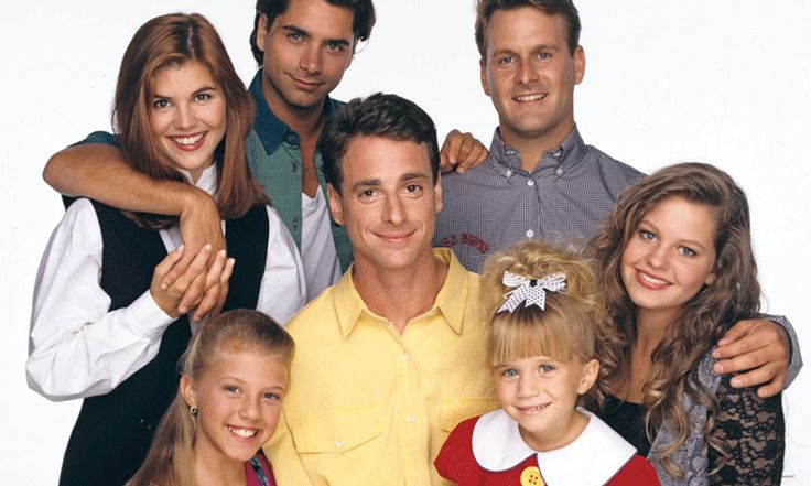 In de jaren 90 waren we (bijna) allemaal verliefd op uncle Jesse envonden we Michelle de schattigste baby ooit: dan hebben we het natuurlijk over de mateloos populaire serie Full House. De komedieserie trok van 1987 tot 1995 wekelijks miljoenen kijkers, die meeleefden met het wel en wee van de alleenstaande vader Danny Tanner en…