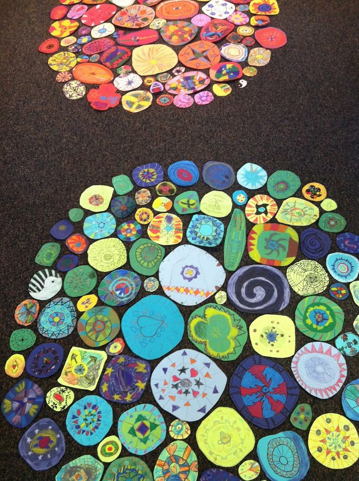 Collaborative project or The Dot Analogous colors color