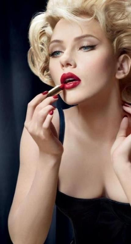 Scarlett Johansson ♥ She does sophistication stunningly well! ~*~moonmistgirl~*~