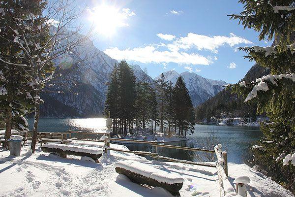 Bovec a Triglav Nemzeti Park északi területén található. Egy kis, vendégszerető falu. Télen a sí szerelmesei érzik itt jól magukat, nyáron a túrázók, raftingosok, bringások. Látogassunk el ide, ha egy kis nyugalomra vágyunk.