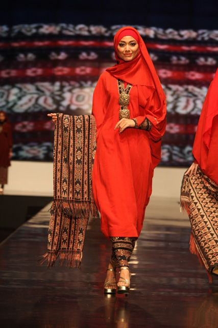 Muslim Women Fashions: Muslim Fashion | Indonesia Fashion Week