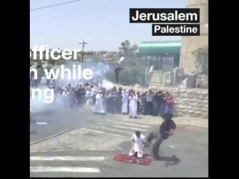 Love a good video? Plug in for this one. صهيوني يركل فلسطينيا وهو  يصلي في شوارع #القدس https://youtube.com/watch?v=QBpMPhwby9A