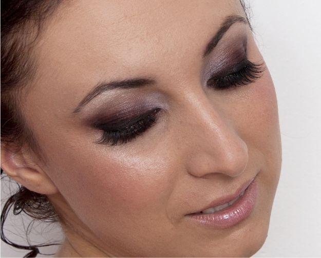 Machiajul ochilor: maro roscat si negru pentru contur