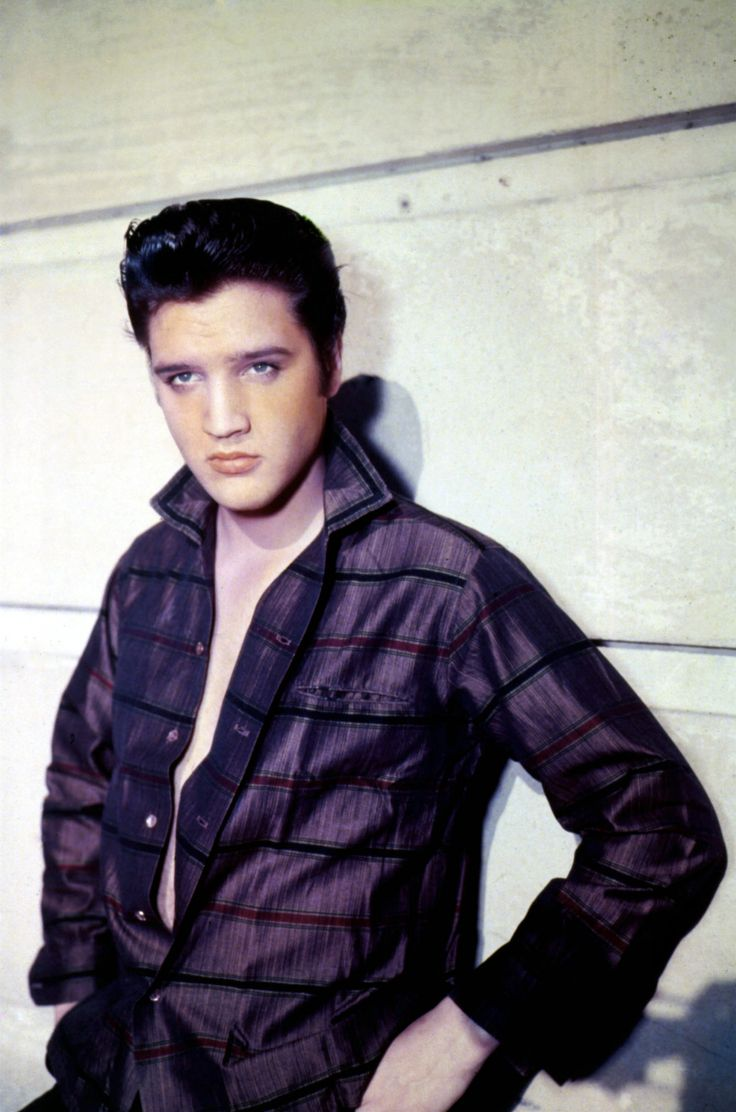 Elvis presley then amp now 25th anniversary collector s edition ebay - Also Known As The King Of Rock And Roll These Photos Feature Young Elvis Presley The Legendary Rocker And Sex Symbol From The And What Did Elvis